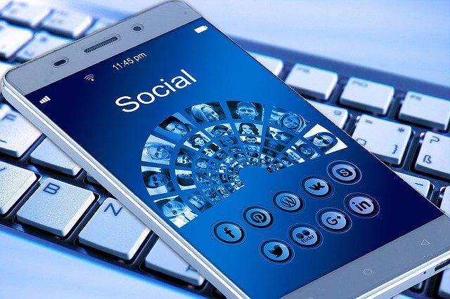 Le téléphone et l'accès à internet